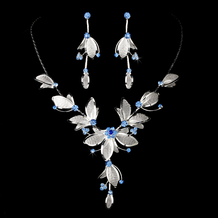 Silver Plated Floral Necklace & Earring Set